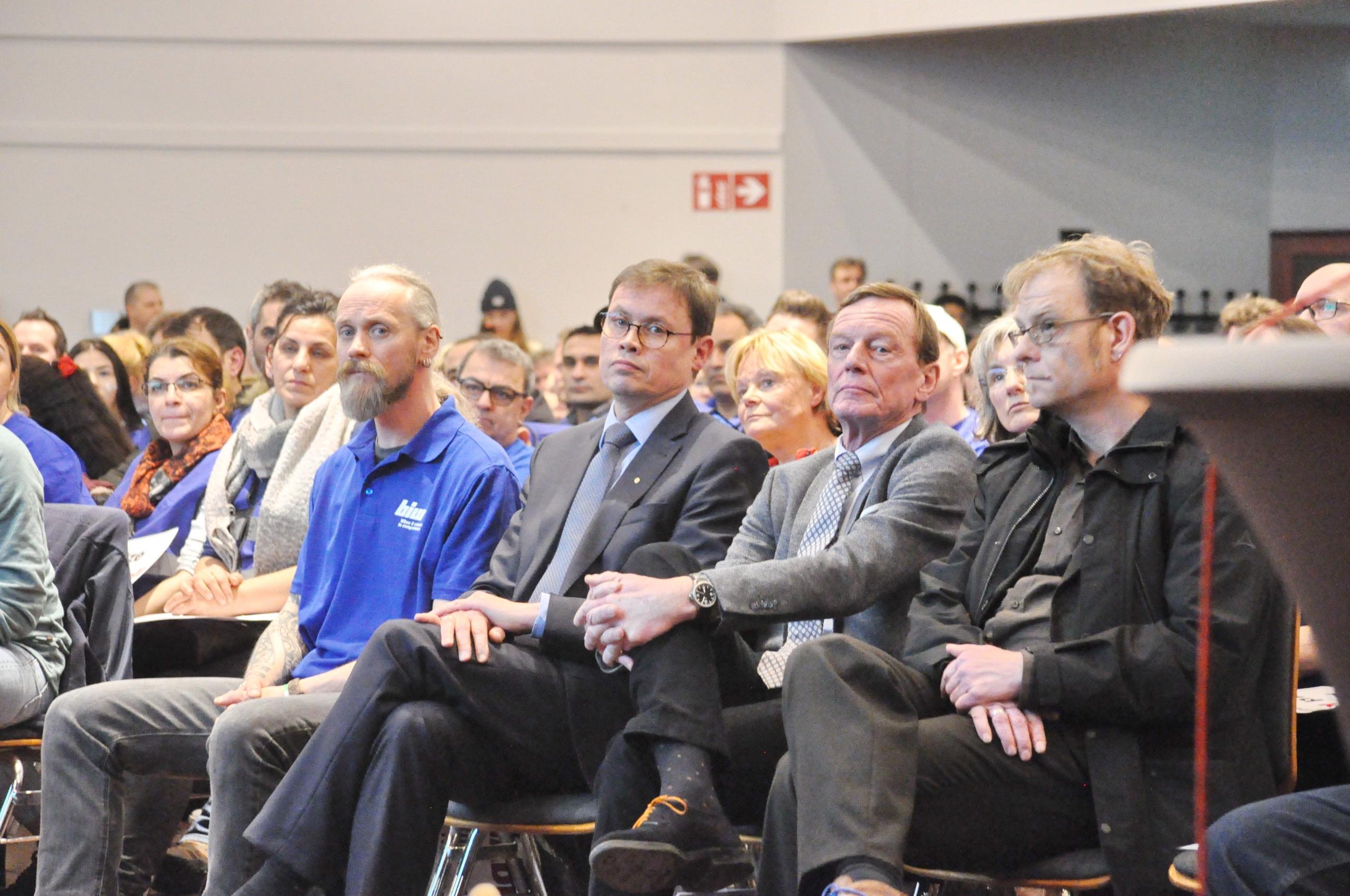 3.von rechts Unternehmer Ralf Stoffels Firma biw, rechts daneben sein Anwalt Michael Hoppenberg Foto:© Linde Arndt